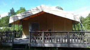 de safaritent comfort de luxe met afgeschermde veranda
